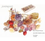 ASSORTED DRIED FLOWERS  AND PLANTERS 25 PC TRAY